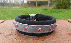 DeZignA - Padded Bling Dog Collar